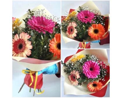 Bright bouquet of 5 gerberas!