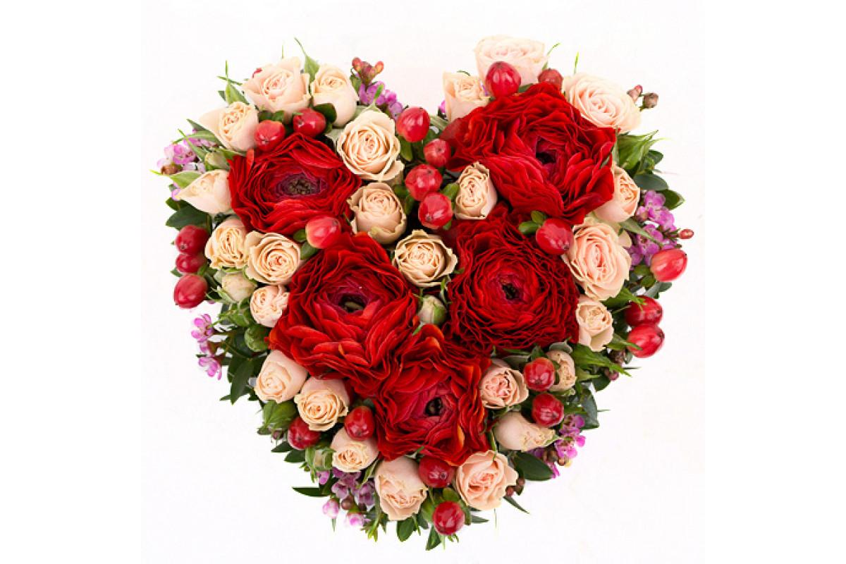 Оранжевый букеты из роз в виде сердца фото