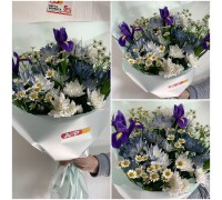 Spring bouquet of irises, chrysanthemums and spray chamomiles in blue shades!