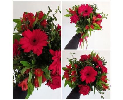 Bright bouquet of gerbera, roses and alstroemeria!