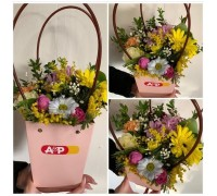 Flower arrangement in a box bag!