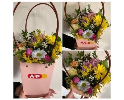 Flower arrangement in a box bag!