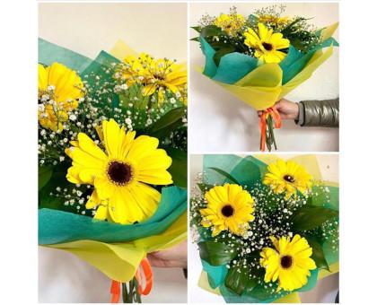 Bouquet of 3 gerberas, gypsophila and greenery!