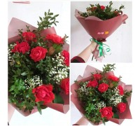 "Bouquet of roses ""Pioneer"" and gypsophila!"