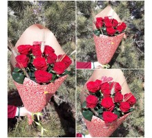 11 red roses in craft!