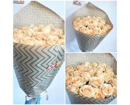 Bouquet of 23 delicate roses 60 cm!