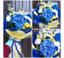 An exotic bouquet of hydrangea, chrysanthemum, mattiola and rose!